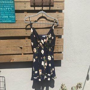 🔵 Navy floral sun dress
